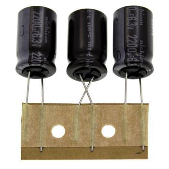 Elko Kondensator Radial 2200µF 6,3V 105°C UPR0J222MHH1TO d13x20mm 2200uF